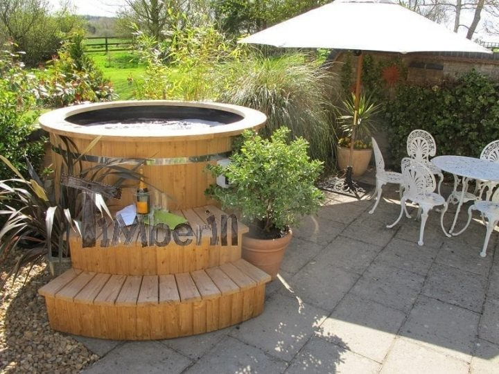 Rino hot tub