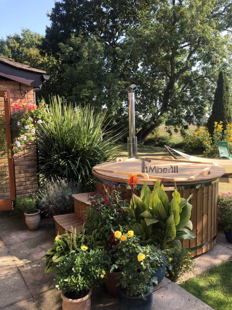 Fiberglass-lined-hot-tub-with-integrated-burner-thermo-wood-Elaine-Norwich-United-Kingdom-scaled Testimonials