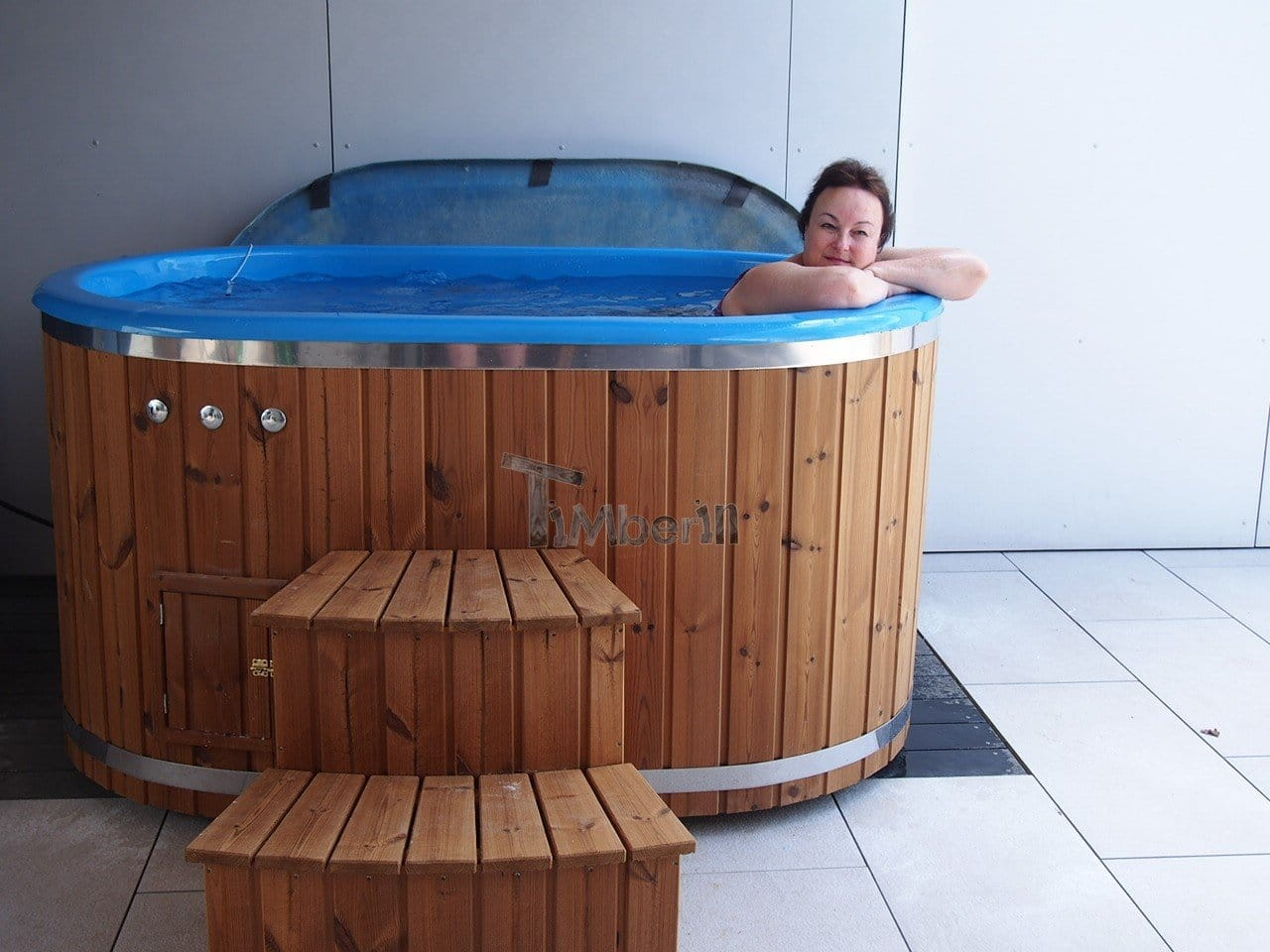 Oval-hot-tub-for-2-persons-with-fiberglass-liner-Geoffrey-and-Sandra-Dörflingen-Schwitzerland-2 Testimonials