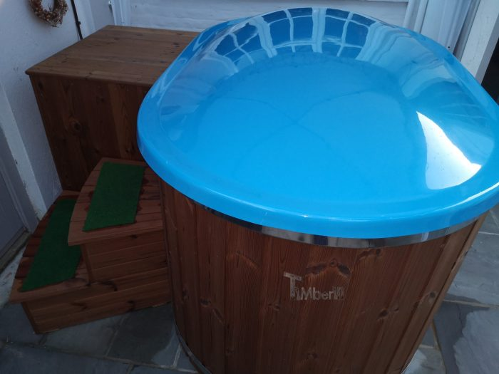 Oval hot tub for 2 persons with fiberglass liner, stephen, bridport, united kingdom (3)