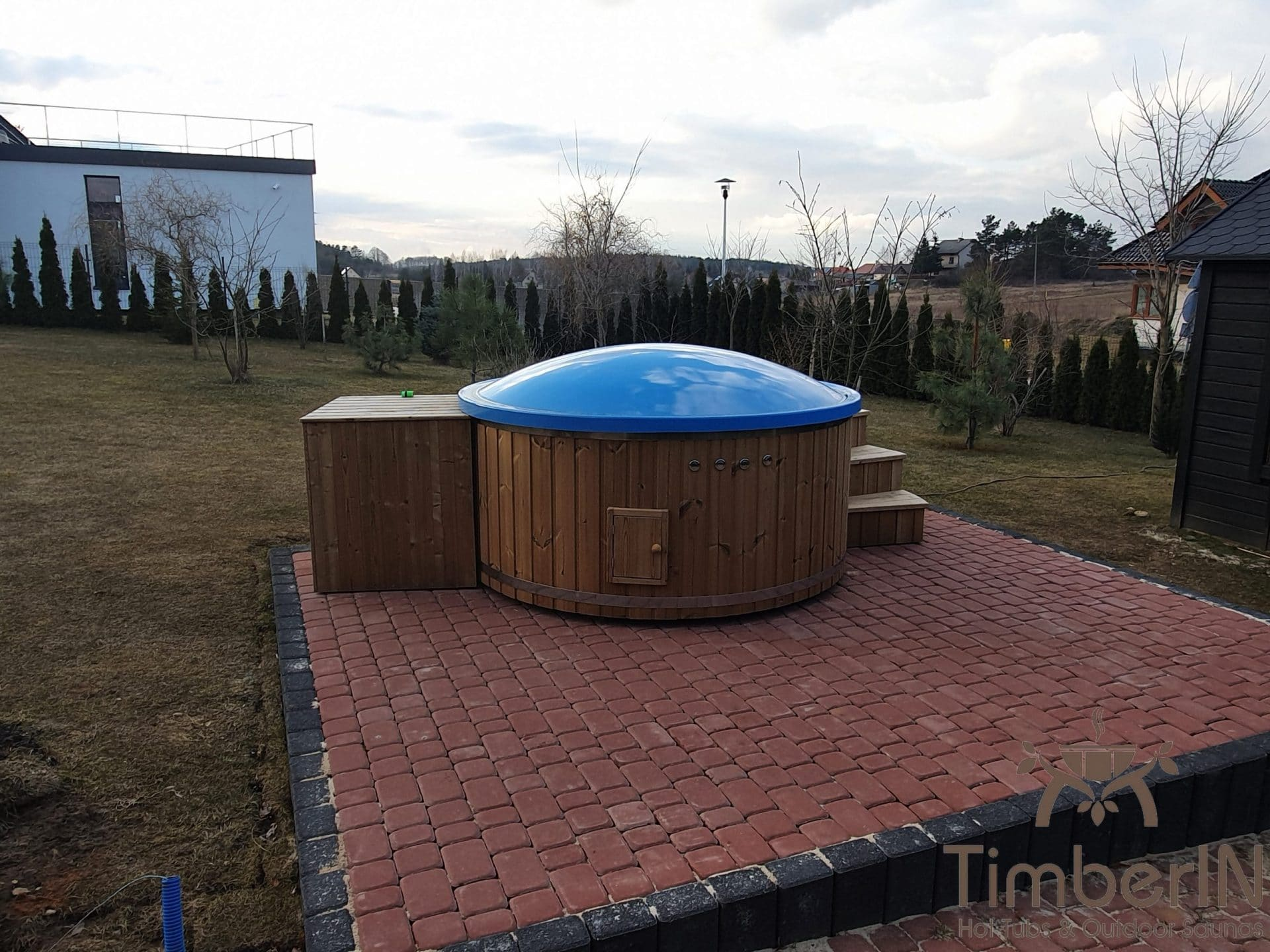 Wooden hot tub with electric heater Piotr Bilcza Poland 4 1 scaled