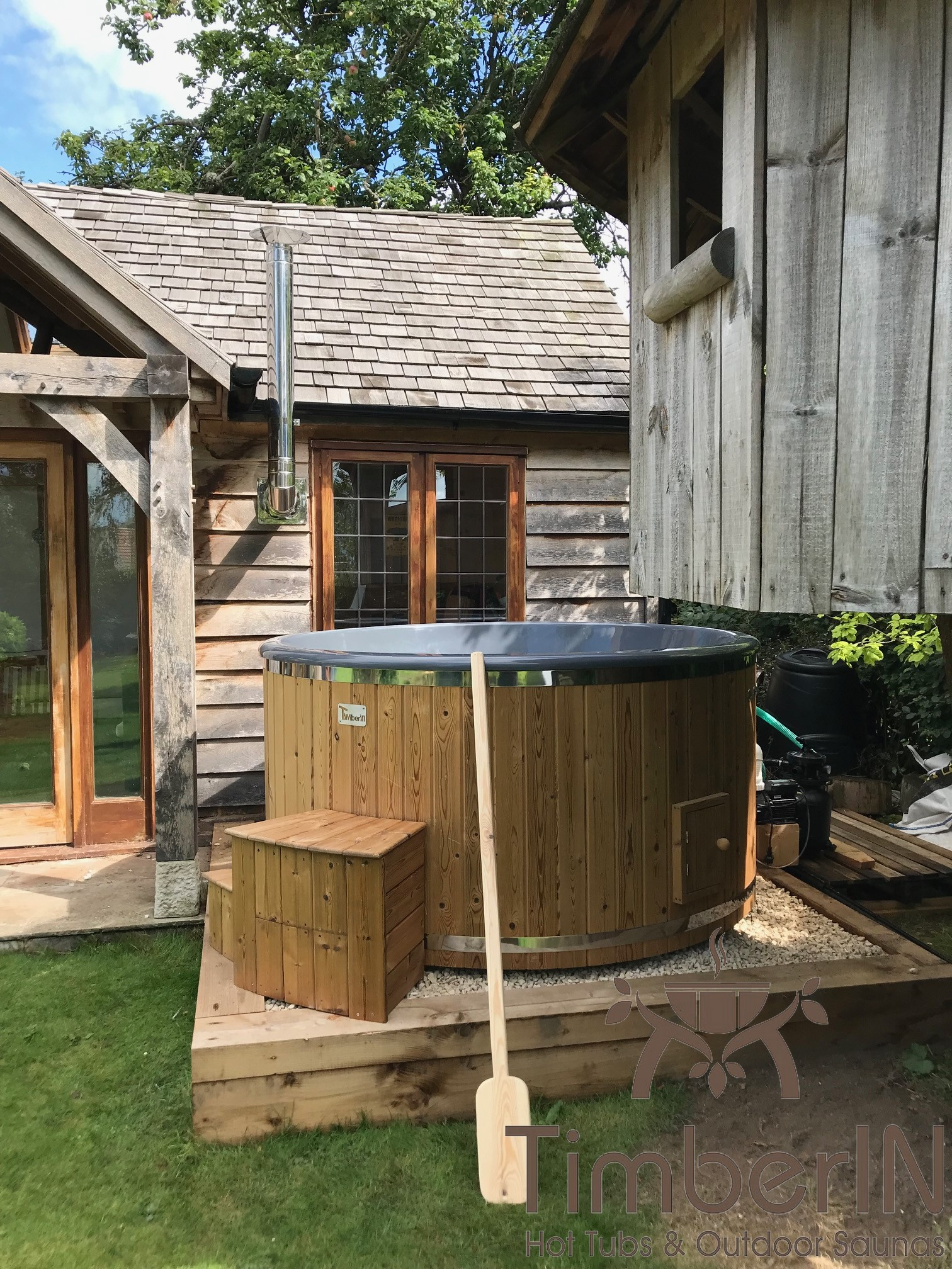 6 8 person outdoor hot tub with external heater Lawrence Wetherby United Kingdom 2