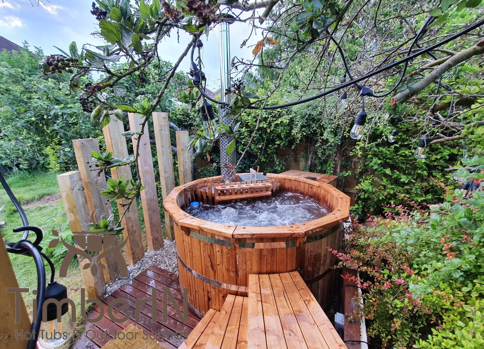 Wooden hot tub possible with jets Deluxe thermowood 2 scaled