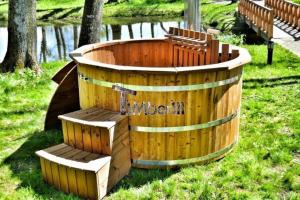 Wooden-hot-tub-UK-Ireland-Scotland-France-with-snorkel-wood-fired-heater (1) Main page gallery